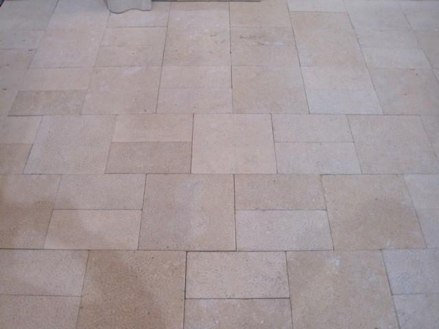 Yellow limestone bushhammered surface